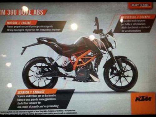 2013-KTM-Duke-390-Streetfighter-Motorcycle-Spyshot-3