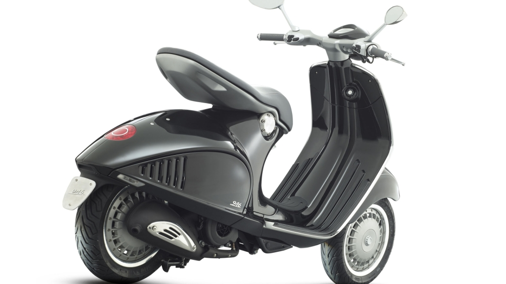 2013-vespa-946-a-modern-tribute-to-the-scooters-of-yore-photo-gallery_2