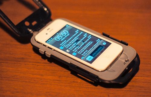 si iphone buka segel kiri kanan masukkan iphone dan tutup kembali