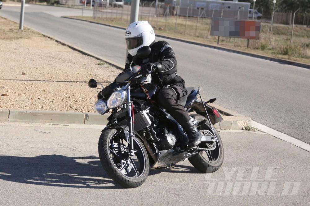 2015-Triumph-Street-Spy