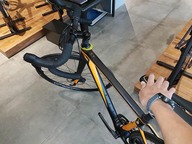 Specialized Roubaix di Specialized Concept Store Bintaro